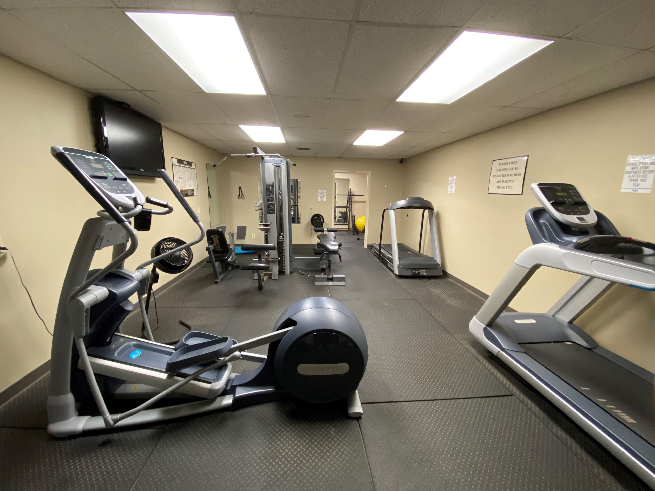 Fitness Room Picture 2